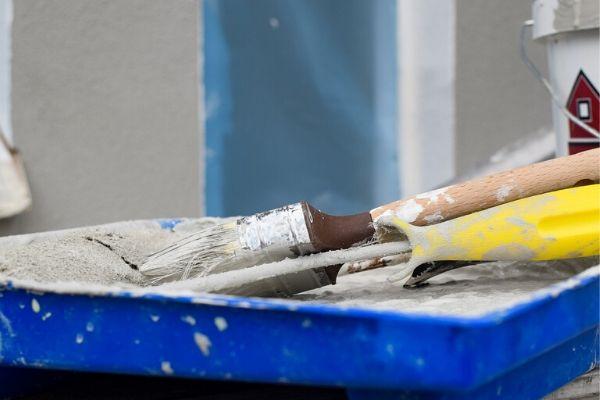 【建築現場は大変】塗装工は見た目以上にきつい仕事です