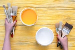 外部の木材塗装におすすめの塗料を紹介|使い方や注意点をプロが解説