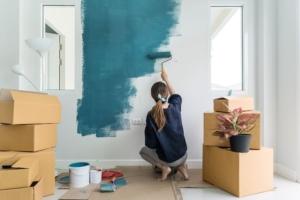 壁紙の上から塗れるおすすめの塗料を紹介!ホームセンターは辞めとけ、、、
