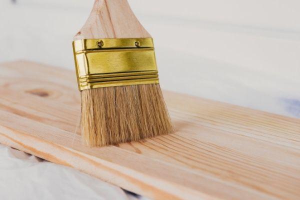 【解決】木材塗装でニスは必要なの?おすすめのニスも紹介します。