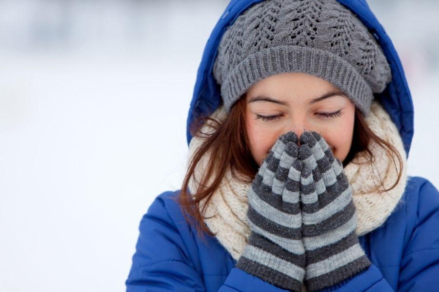 辛い現場の冬を乗り切るための防寒グッズ8選
